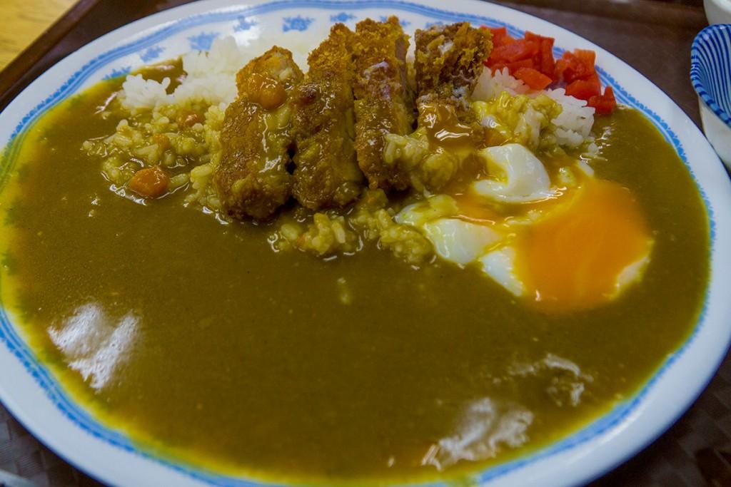 lunch_chikenkatsu2_160307nakazaya