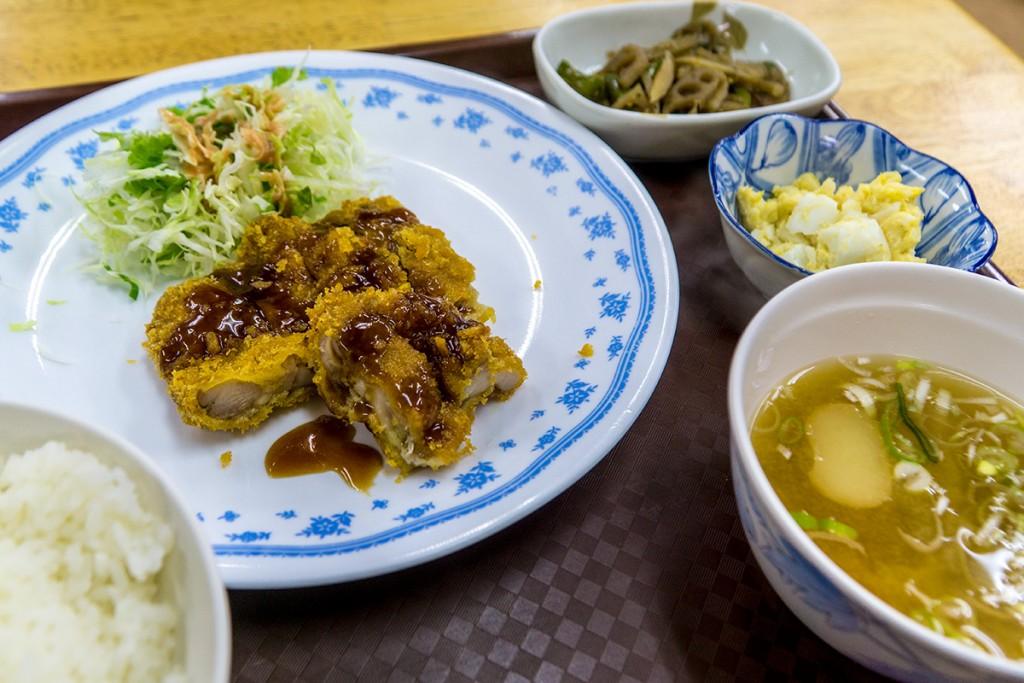 lunch_chikenkatsu2_info160108nakazaya