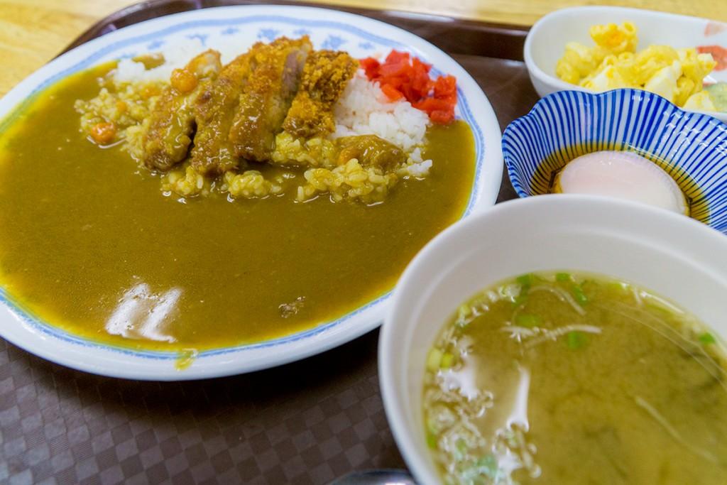 lunch_chikenkatsu3_160307nakazaya
