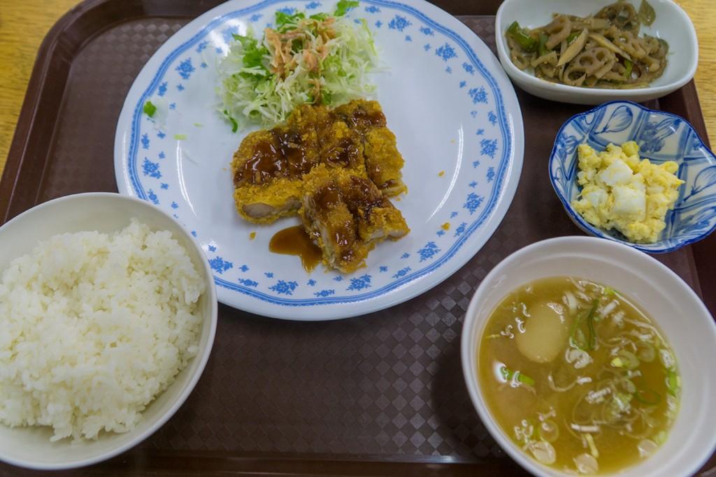 lunch_chikenkatsu_160108nakazaya