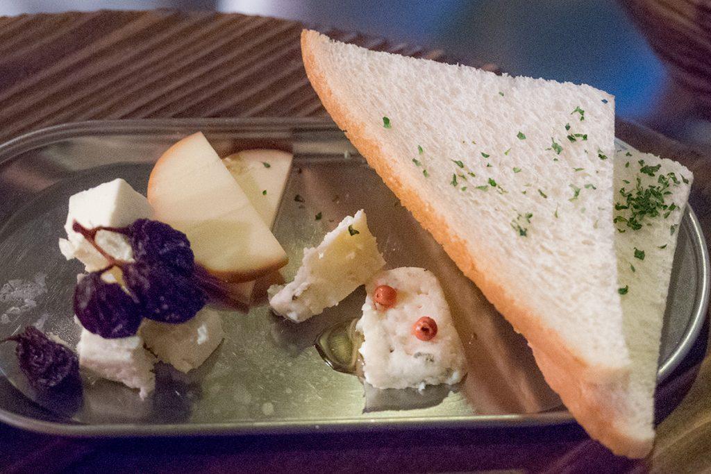 cheese_adachiya