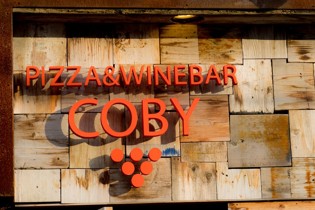 sign_coby