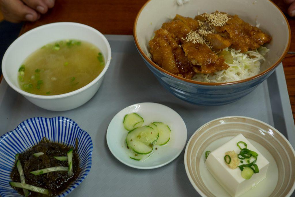lunch_sorcekatsudon2_160620nakazaya