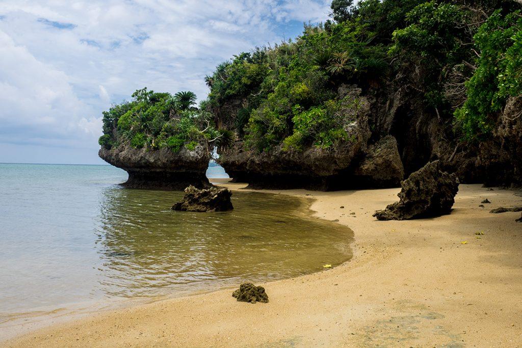 sabichi_cave_beach2