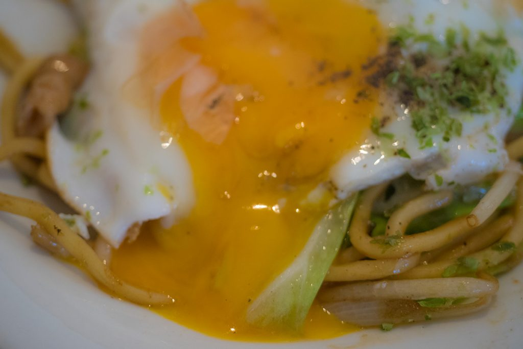lunch_yakisoba_egg2_umanosuke