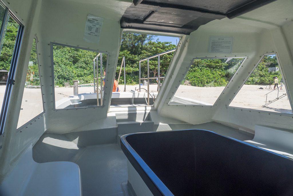 glassboat01_kabira160819