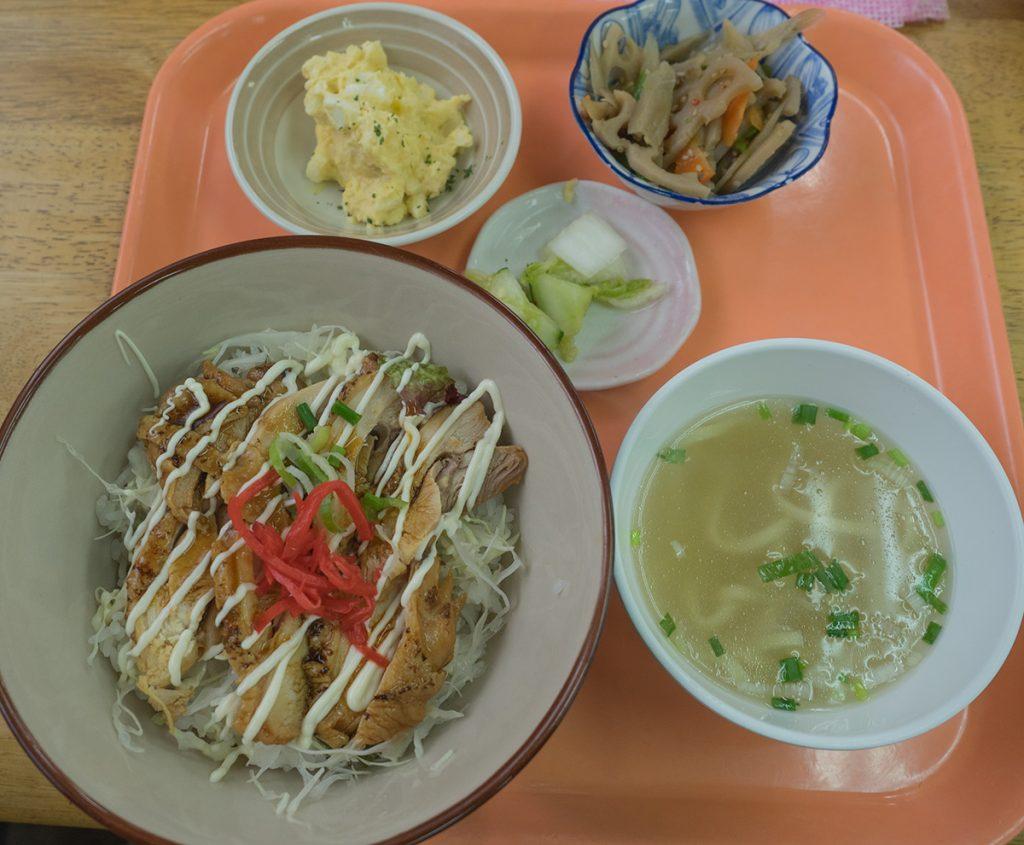 lunch_teriyakidon2_160901nakazaya