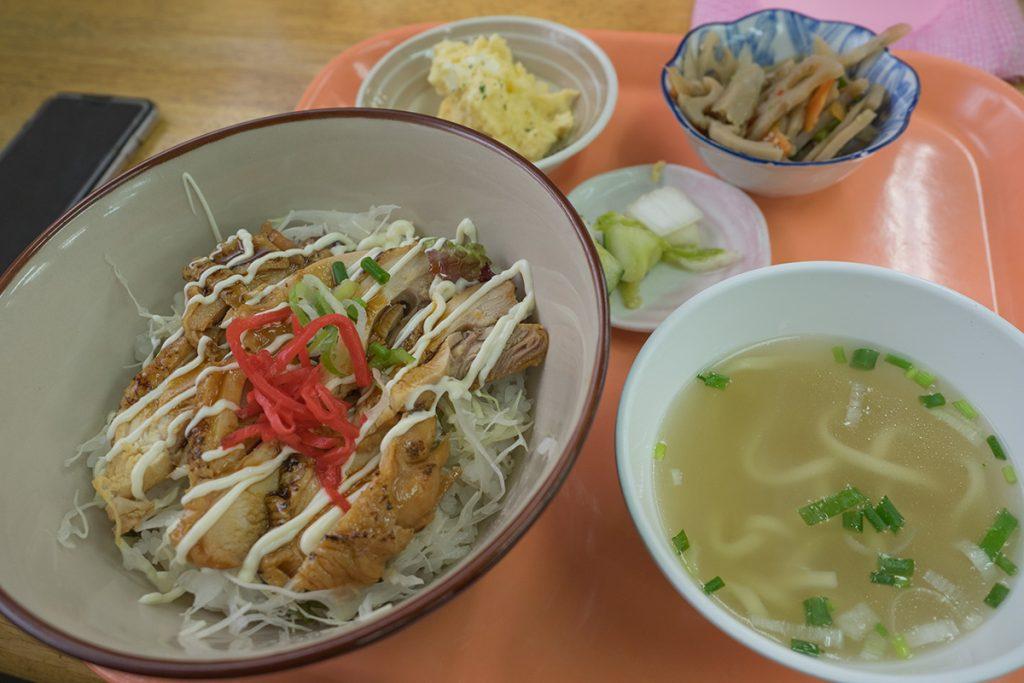 lunch_teriyakidon_160901nakazaya