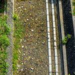 杉田トンネルと楚久トンネルからのイタジイのある川の風景