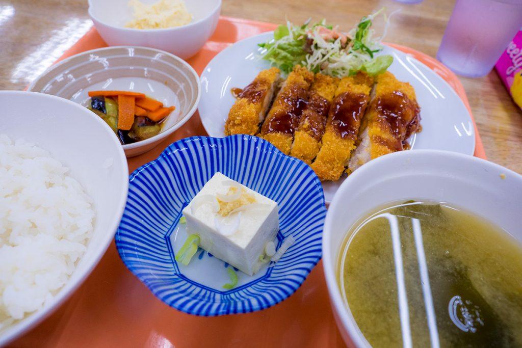 lunch_chikenkatsu_170517nakazaya