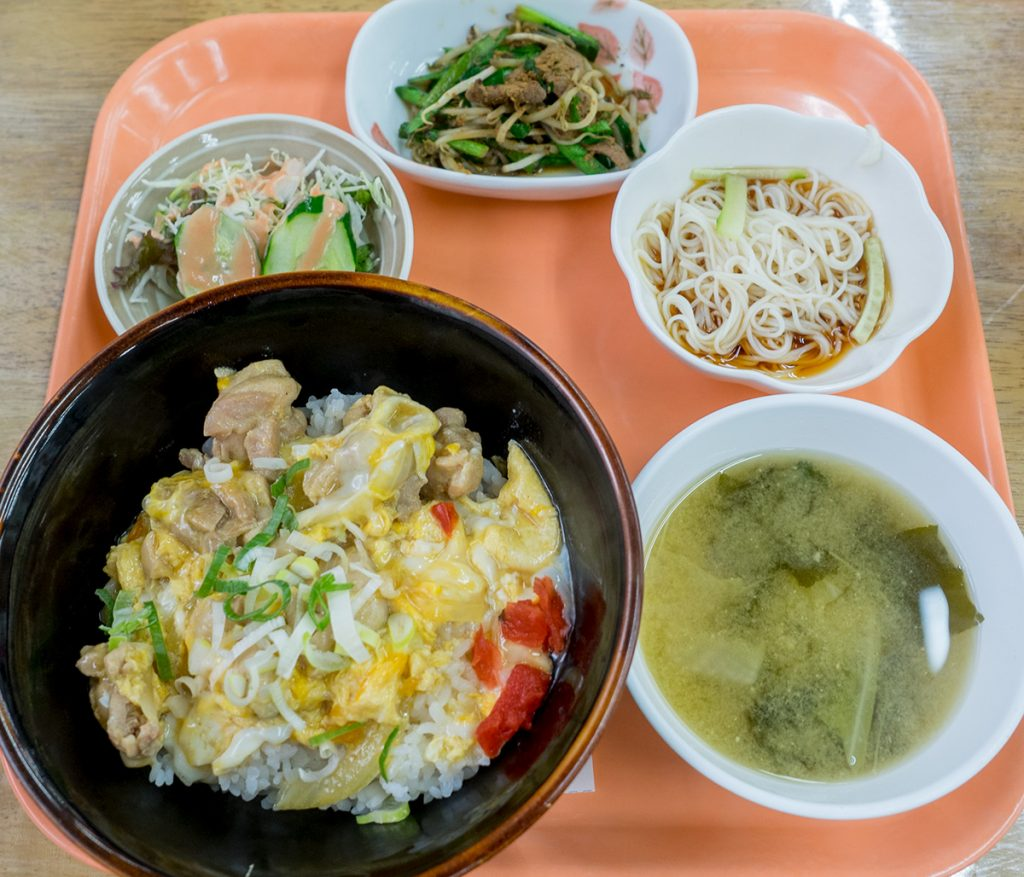 lunch_oyakodon_170515nakazaya